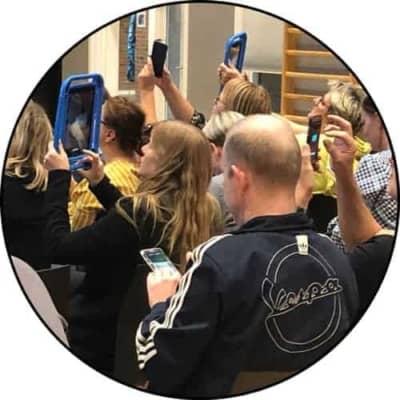 Foredrag-Hvem-tager-hjælpemidlerne-op-af-tasken-og-skaber-gode-vaner-lærere-ipad