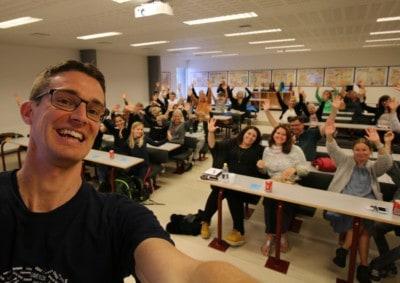 Jesper Sehested holder foredrag på /læsevejleder på Sjælsøskolen for de ordblinde elever og forældre