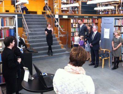 Gudrun Hasle fortæller om udstiling 'Indskut værdag' og ordblindhed på Frederiksberg bibliotek