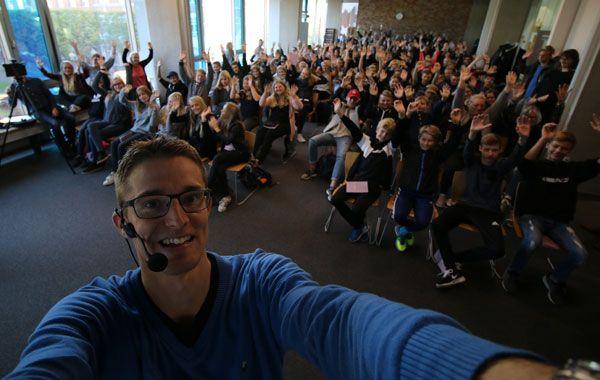 Jesper Sehested taler til ordblindeelever om livet med ordblindhed