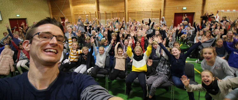 Foredrag til skoler om at have udfordringer- Jesper Sehested ordblind, mentor, forfatter og foredragsholder