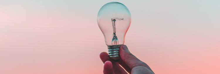 ordblind-intelligent-lyspæer